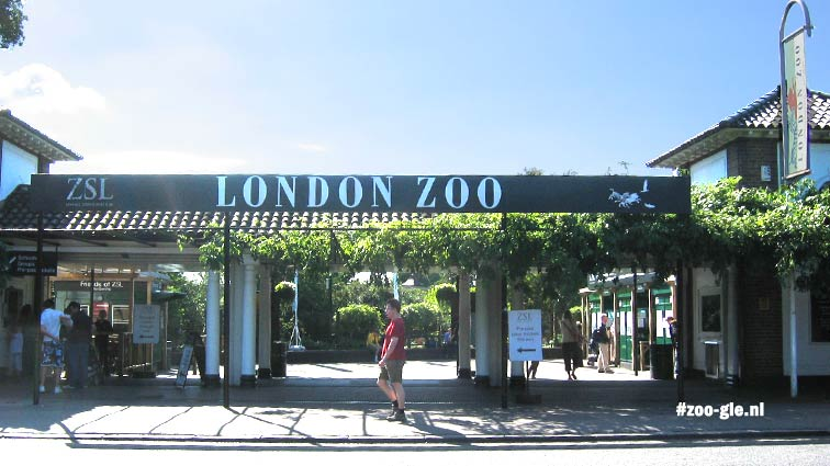 2005 Ingang Londense zoo, iets cleaner dan in 2019