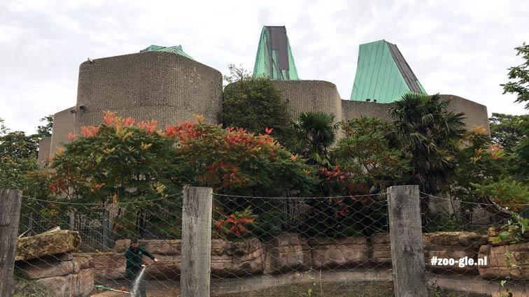 2019 Geribbelde muren, gewapend beton en koperen kegeldaken