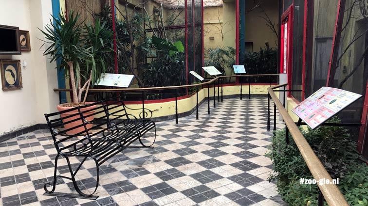 2019 Blackburn Pavilion, geometrisch, romantisch, Victoriaans, vogelsilhouetten aan de muur