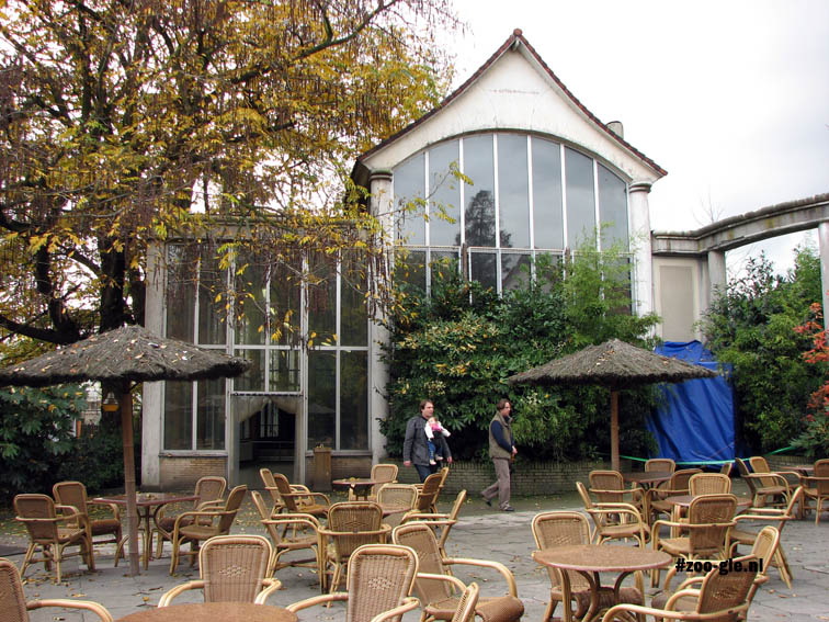 2007 Giraffe- and tea house, the twin buildings