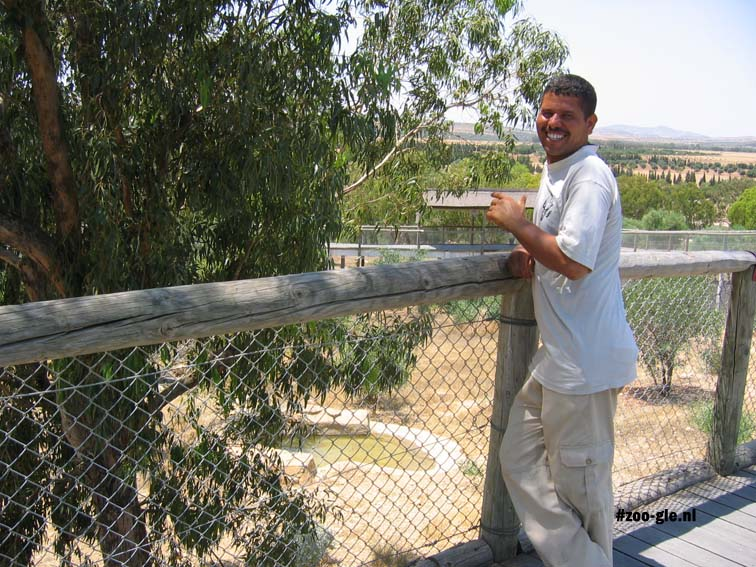 2005 Oppasser in de dierentuin