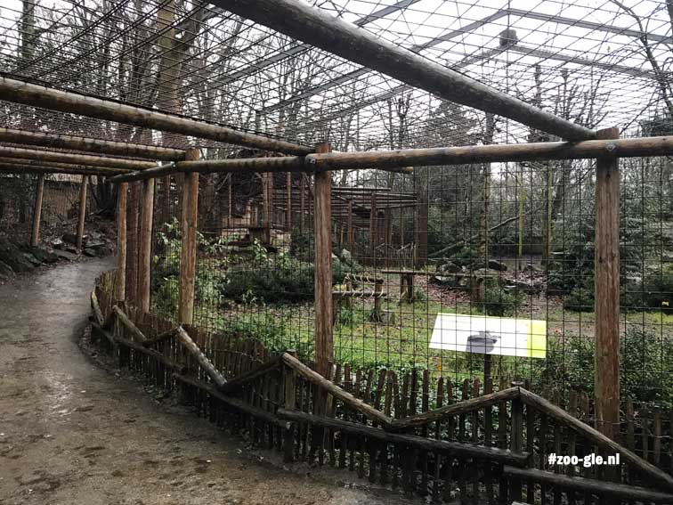 2017 The Aquarium is provided with a door to the walkthrough griffon vulture enclosure