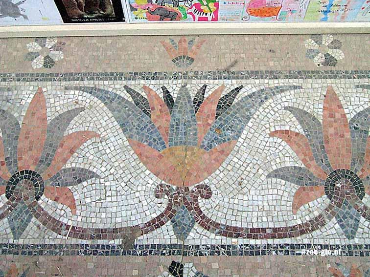 2010 Stukje vloer Egyptische tempel