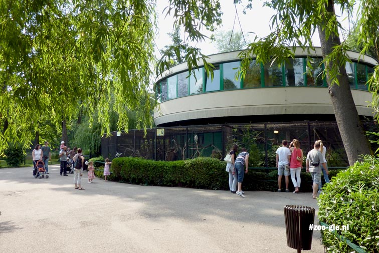 2010 Rond gebouw voor vogels op eiland 2
