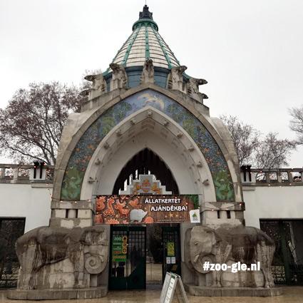 2019 Hongaarse Art Nouveau-ingang zoo Boedapest