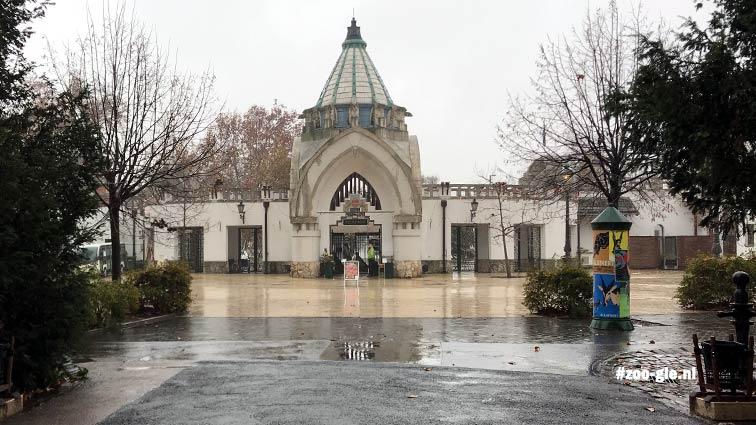 2019 Ingang dierentuin Boedapest vanaf de binnenkant gezien