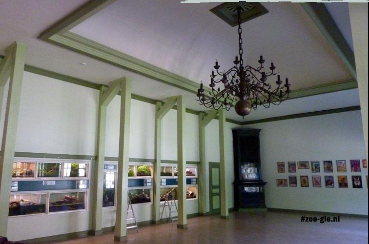 2014 Aquarium/Terrarium in voormalig restaurant
