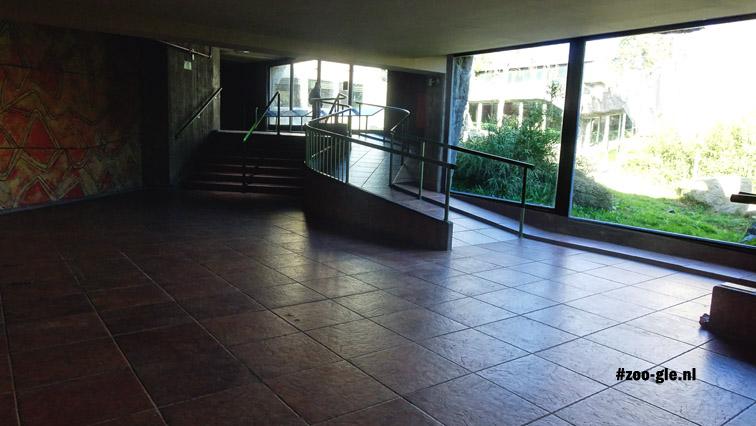 2016 Interior gorilla house