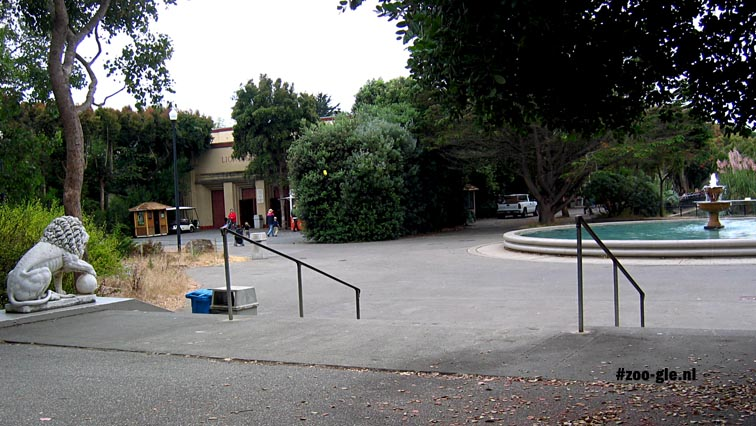 2006 Square in front of Lion House
