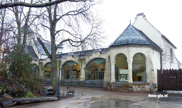 2010 Roofdierenhuis