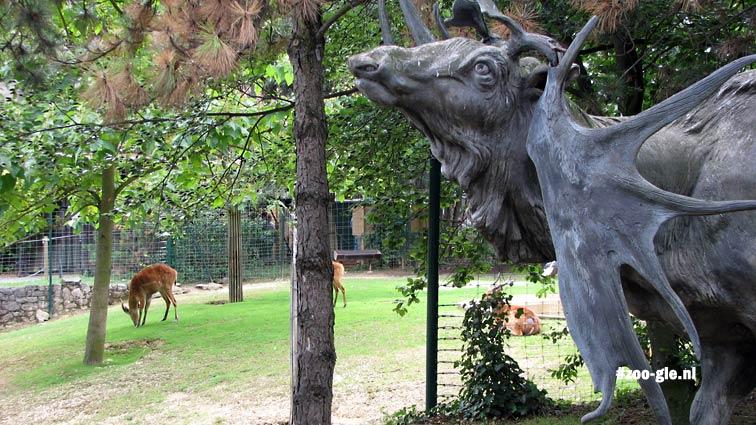 2008 In de oude zoo droegen beelden bij aan een dramatische natuurbeleving