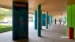 2020 Toeleiding Aquarium, gedeeltelijke lambrisering en gekleurde pilaren. Beter zwart-wit foto's maken?