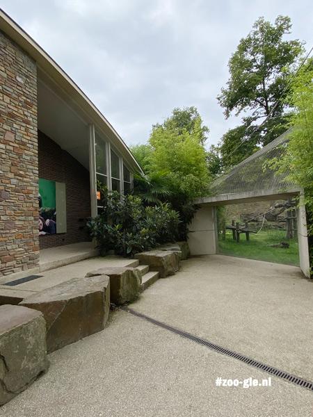ANT2021-17 Links-ing2021 Links ingang mensapenhuis en rechts de apenvalleiang-mensapenhuis-en-rechts-de-apenvallei